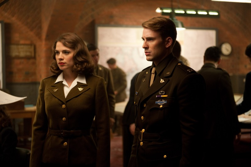 Hayley Atwell, Chris Evans ve filmu Captain America: První Avenger / Captain America: The First Avenger