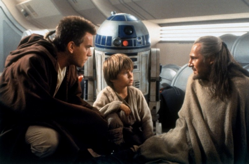 Ewan McGregor, Jake Lloyd, Liam Neeson ve filmu Star Wars: Epizoda I - Skrytá hrozba / Star Wars: Episode I - The Phantom Menace