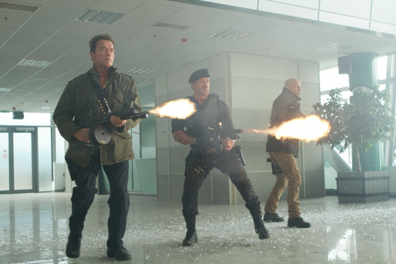 Arnold Schwarzenegger, Sylvester Stallone, Bruce Willis ve filmu Expendables: Postradatelní 2 / The Expendables 2