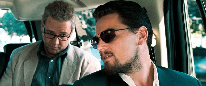 Russell Crowe, Leonardo DiCaprio ve filmu Labyrint lží / Body of Lies