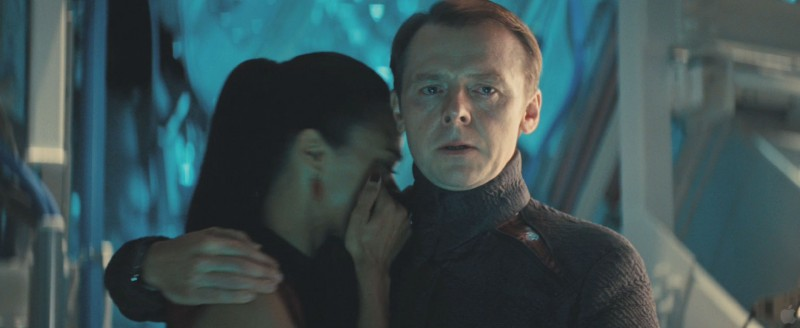 Zoe Saldana, Simon Pegg ve filmu Star Trek: Do temnoty /