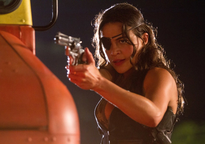 Michelle Rodriguez ve filmu Machete zabíjí / Machete Kills