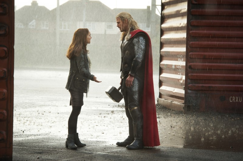 Natalie Portman, Chris Hemsworth ve filmu Thor: Temný svět / Thor: The Dark World