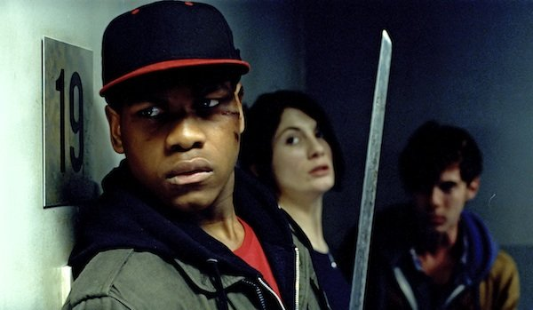 John Boyega ve filmu Útok na věžák / Attack the Block