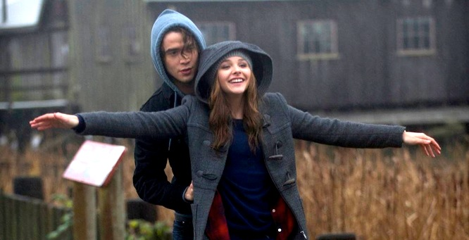 Chloë Grace Moretz ve filmu Zůstaň se mnou / If I Stay