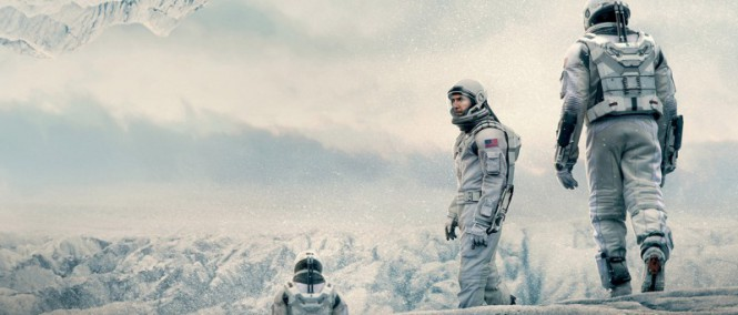 Makrorecenze: Interstellar