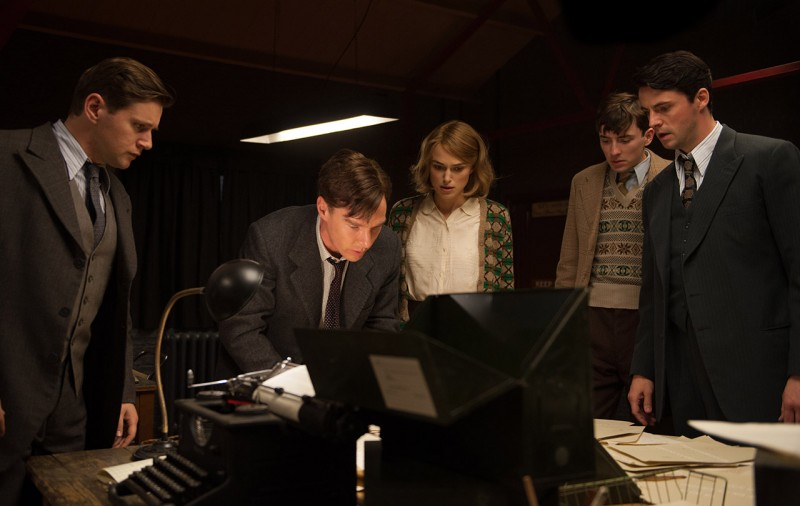 Allen Leech, Benedict Cumberbatch, Keira Knightley, Matthew Beard, Matthew Goode ve filmu Kód Enigmy / The Imitation Game