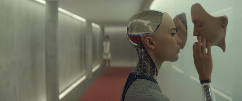 Alicia Vikander ve filmu Ex Machina / Ex Machina