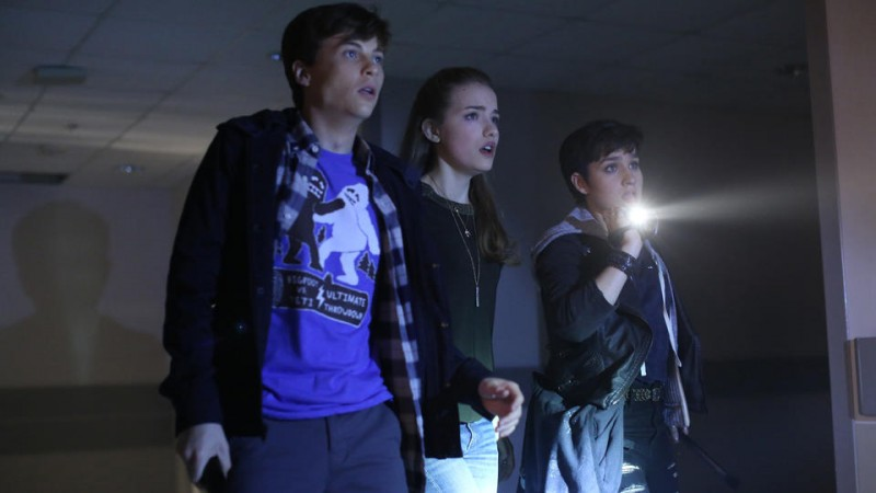 Willa Fitzgerald, Bex Taylor-Klaus, John Karna ve filmu  / Scream