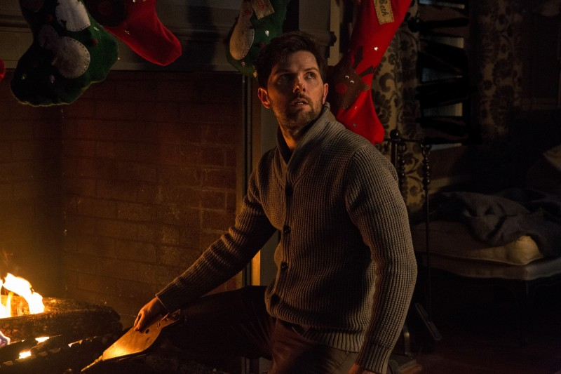 Adam Scott ve filmu Krampus: Táhni k čertu / Krampus
