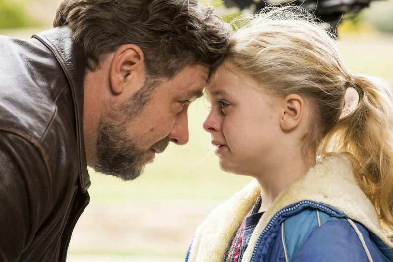 Russell Crowe ve filmu Otcové a dcery / Fathers and Daughters