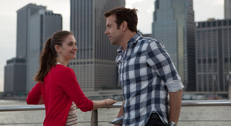 Alison Brie, Jason Sudeikis ve filmu Milenci těch druhých / Sleeping with Other People