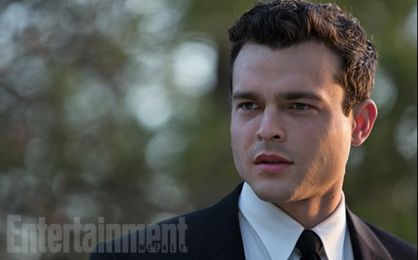 Alden Ehrenreich ve filmu  / Rules Don't Apply