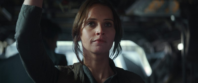 Felicity Jones ve filmu Rogue One: Star Wars Story / Rogue One: A Star Wars Story