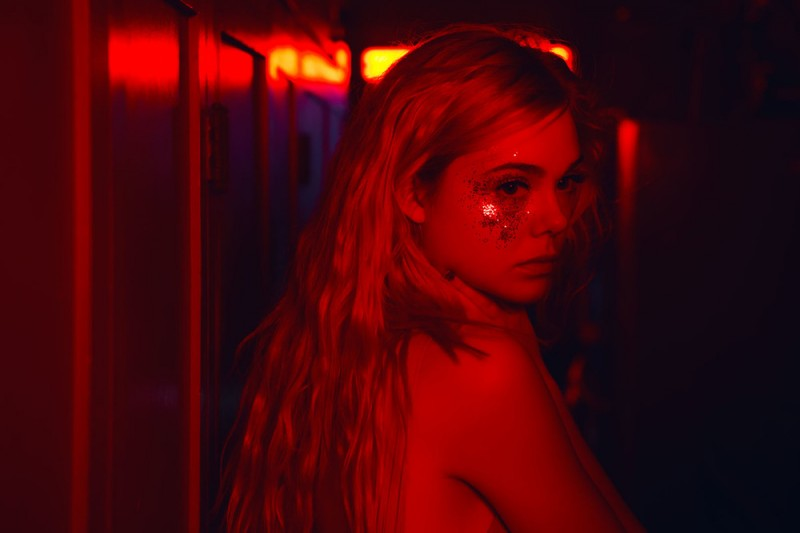 Elle Fanning ve filmu Neon Demon / The Neon Demon