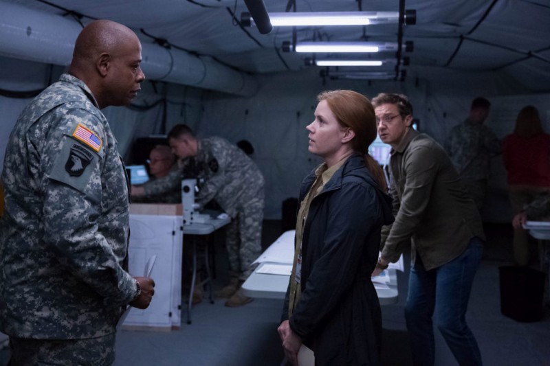 Forest Whitaker, Amy Adams ve filmu Příchozí / Arrival