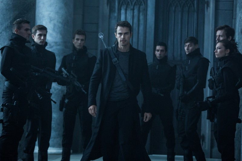 Theo James ve filmu Underworld: Krvavé války / Underworld: Blood Wars