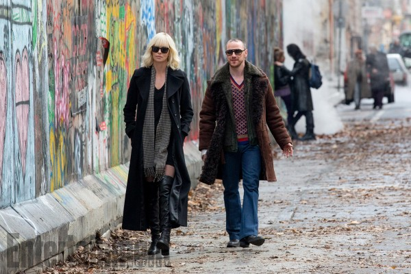 Charlize Theron, James McAvoy ve filmu Atomic Blonde: Bez lítosti / Atomic Blonde