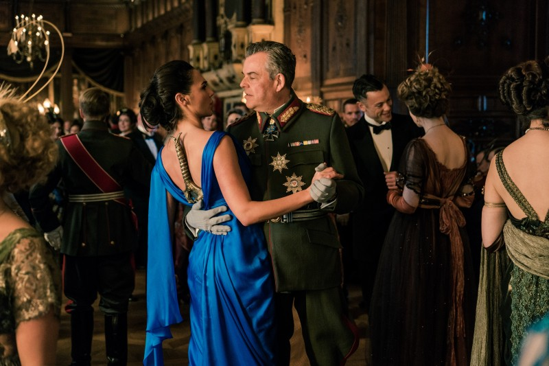 Gal Gadot, Danny Huston ve filmu Wonder Woman / Wonder Woman