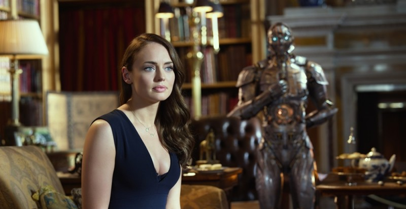 Laura Haddock ve filmu Transformers: Poslední rytíř / Transformers: The Last Knight