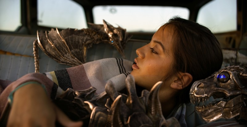 Isabela Moner ve filmu Transformers: Poslední rytíř / Transformers: The Last Knight