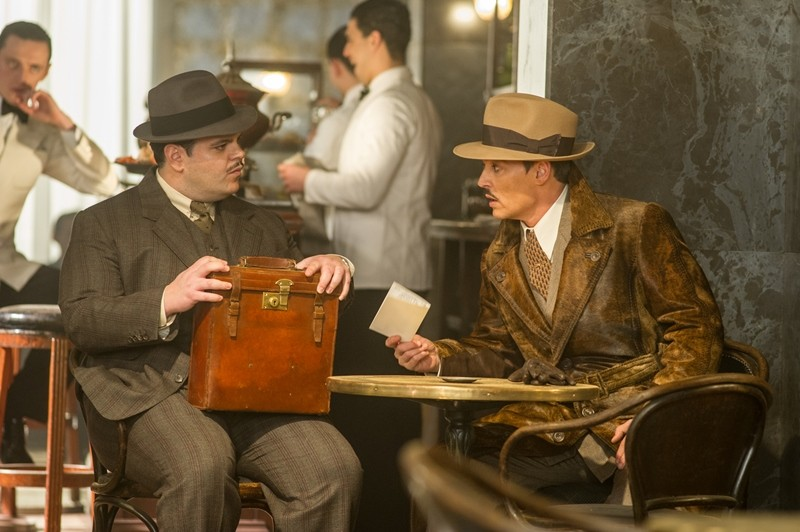 Josh Gad, Johnny Depp ve filmu Vražda v Orient expresu / Murder on the Orient Express