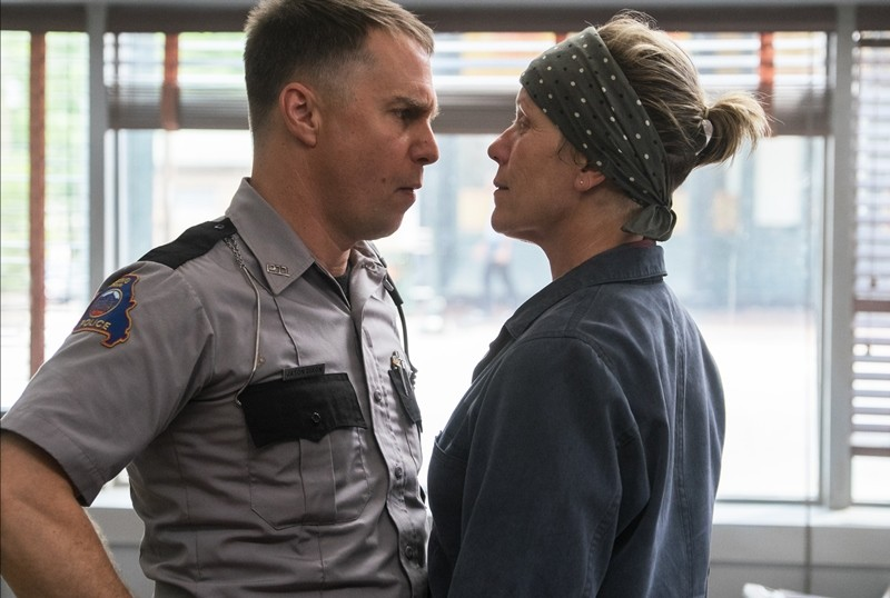 Sam Rockwell, Frances McDormand ve filmu Tři billboardy kousek za Ebbingem / Three Billboards Outside Ebbing, Missouri