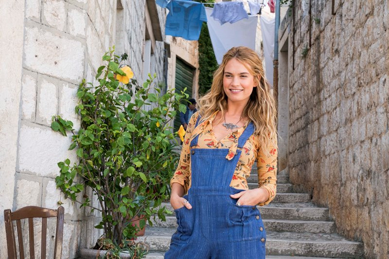 Lily James ve filmu Mamma Mia! Here We Go Again / Mamma Mia! Here We Go Again