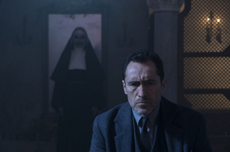 Demián Bichir ve filmu Sestra / The Nun