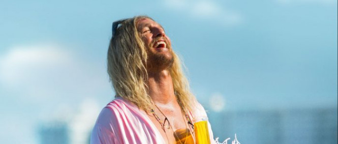The Beach Bum: Matthew McConaughey v traileru