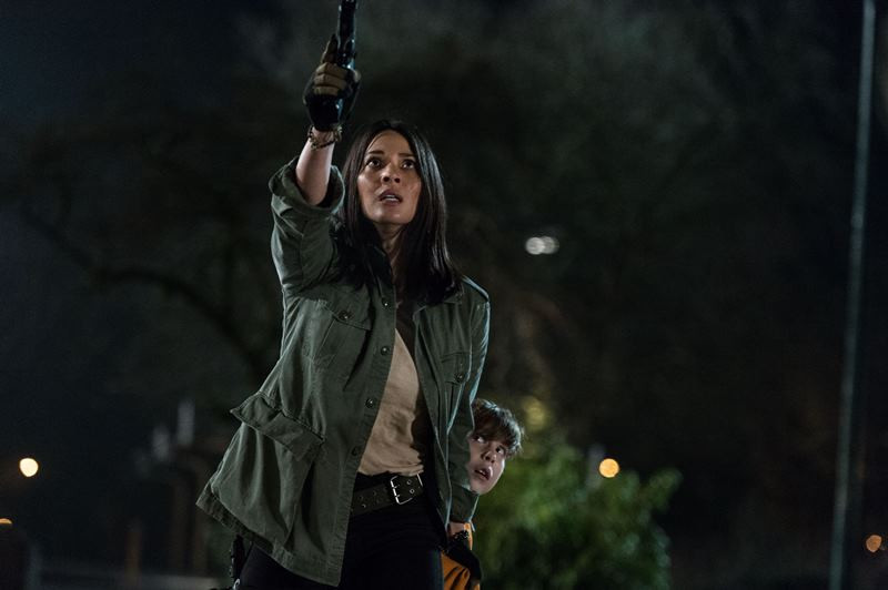Olivia Munn ve filmu Predátor: Evoluce / The Predator