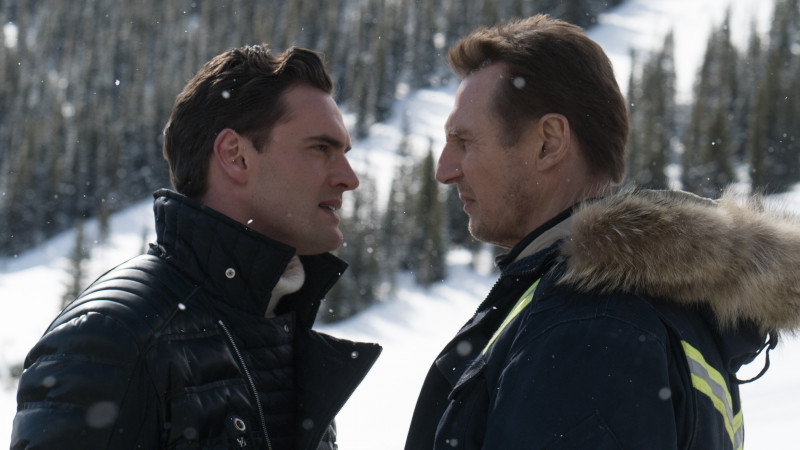 Tom Bateman, Liam Neeson ve filmu Mrazivá pomsta / Cold Pursuit