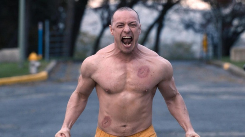 James McAvoy ve filmu Skleněný / Glass