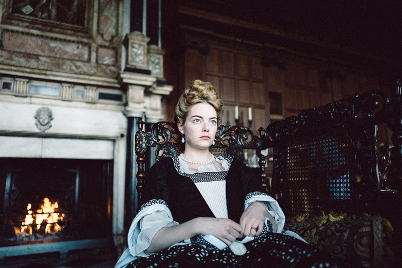 Emma Stone ve filmu Favoritka / The Favourite