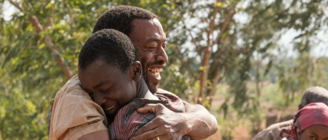 The Boy Who Harnessed the Wind: režijní debut Chiwetela Ejiofora v traileru