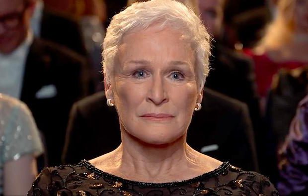 Glenn Close ve filmu Žena / The Wife