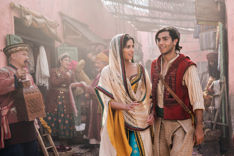 Naomi Scott, Mena Massoud ve filmu Aladin / Aladdin