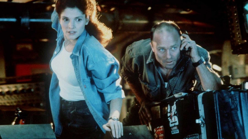 Ed Harris, Mary Elizabeth Mastrantonio ve filmu Propast / The Abyss