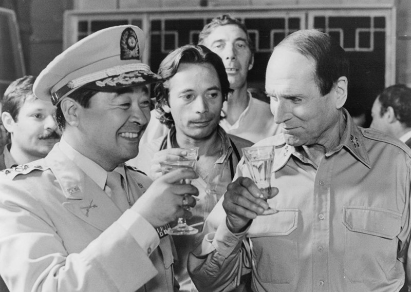 Laurence Olivier, Kung-won Nam ve filmu  / Inchon