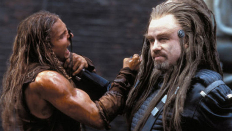John Travolta ve filmu Bojiště Země / Battlefield Earth: A Saga of the Year 3000