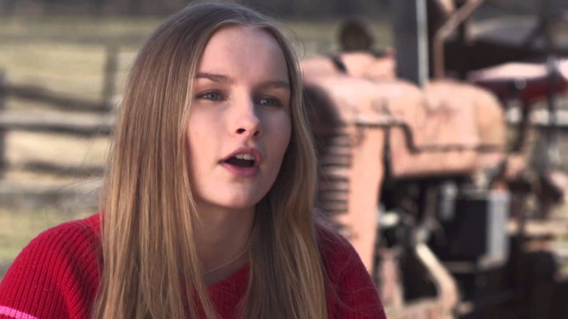 Olivia DeJonge ve filmu  / The Visit