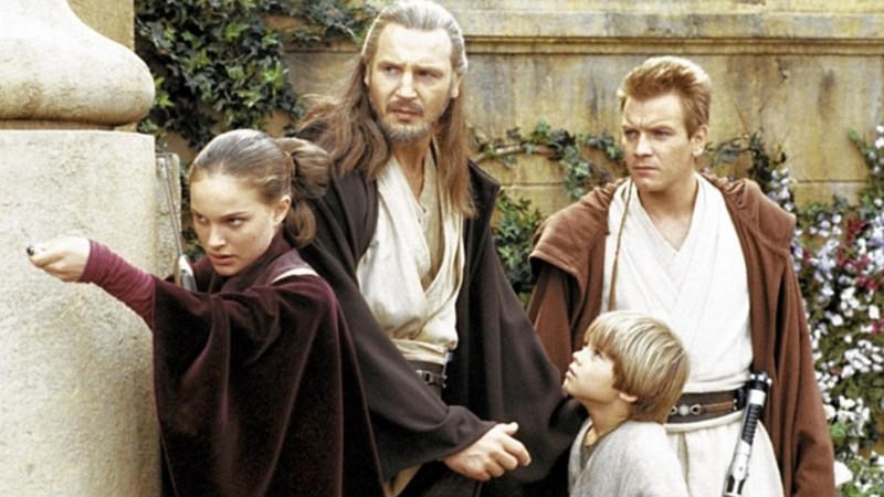 Liam Neeson, Ewan McGregor, Natalie Portman, Jake Lloyd ve filmu Star Wars: Epizoda I - Skrytá hrozba / Star Wars: Episode I - The Phantom Menace