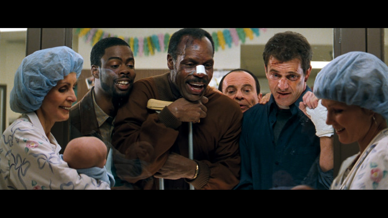 Mel Gibson, Danny Glover, Chris Rock, Joe Pesci ve filmu Smrtonosná zbraň 4 / Lethal Weapon 4